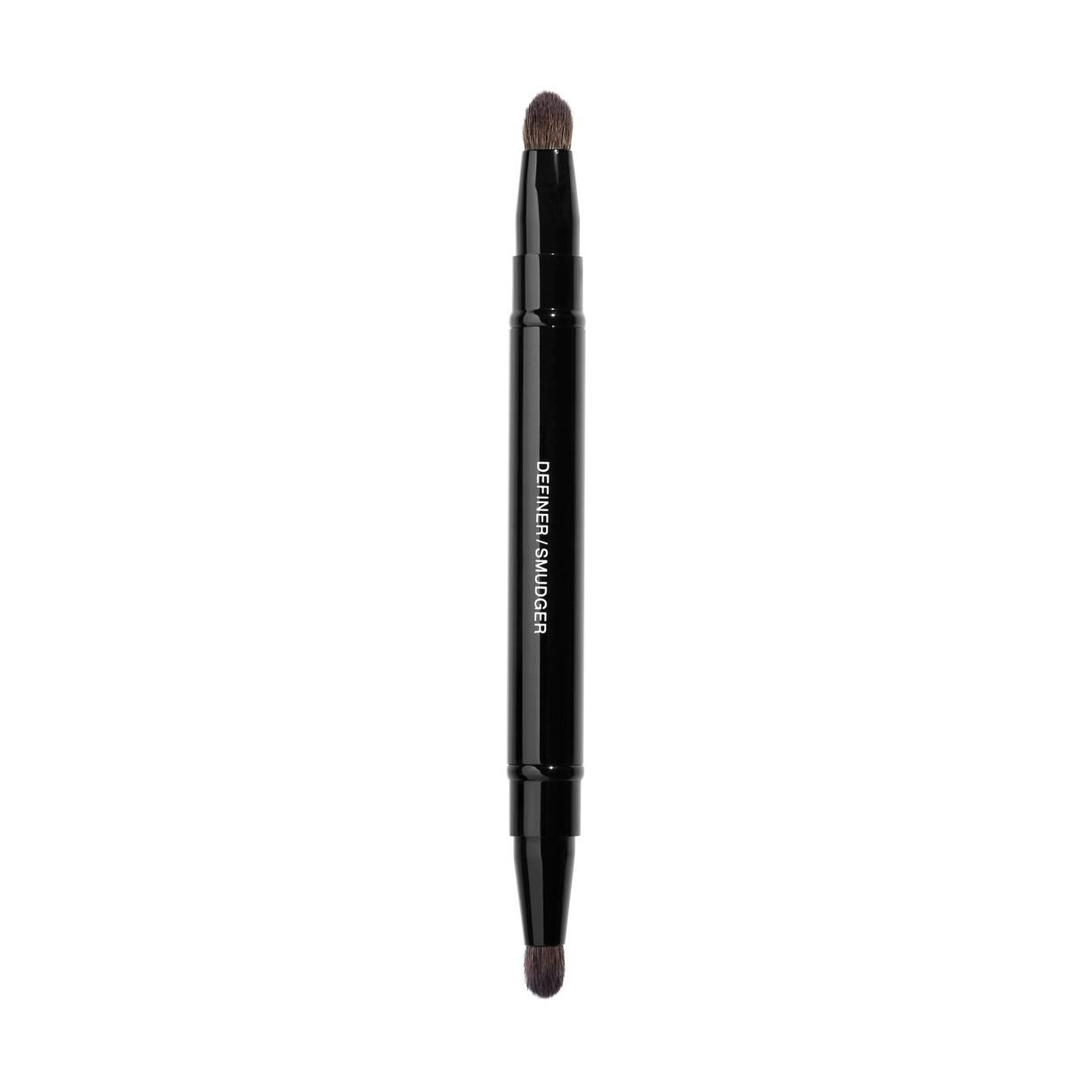 PINCEAU DUO CONTOUR YEUX RÉTRACTABLE RETRACTABLE DUAL-TIP EYE-CONTOURING BRUSH 1PCE