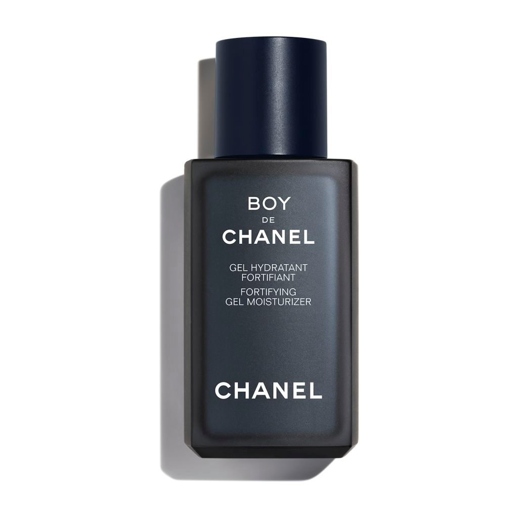 BOY DE CHANEL FORTIFYING GEL MOISTURIZER ULTRA-FRESH FORTIFYING MOISTURIZING GEL. HELPS PROTECT SKIN FROM DAILY AGGRESSIONS. 50ml