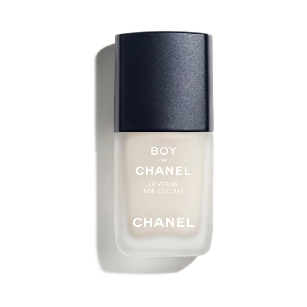BOY DE CHANEL LE VERNIS MATTE NAIL COLOUR. EASY TO APPLY, QUICK DRYING. 402 - NATURAL
